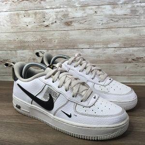 Nike Air Force 1 07 LV8 Utility Sneaker